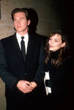 val kilmer and joanne whalley Joanne Whalley, Life Of Kylie, Val Kilmer, Actors Male, Female Fighter, English Actresses, Man Humor, American Actress, Cute Boys