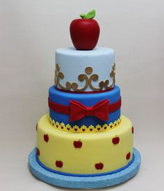 Blancanieves Cake by Violeta Glace