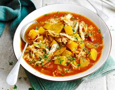 East meets West in this Christmas Mulligatawny Soup, a classic soup inspired by India gets a festive makeover in this recipe from Jamie Oliver. Turkey Recipes, Soup Recipes, Chicken Recipes, Cooking Recipes, Healthy Recipes, Chowder Recipes, Free Recipes, Vegetarian Recipes, Gluten Free Christmas Recipes