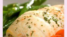 Fisch liefert Dir wertvolle Omega-3-Fettsäuren. Hier kannst Du Deine Schollenfilets mit allerhand Leckerem füllen.
