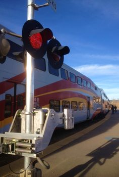 Northern NM has train service that runs from Belen, NM, south of Albuquerque, up to Santa Fe...it's the RailRunner!