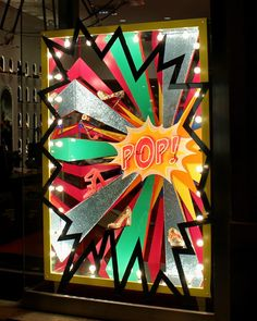 "window is pure ""Pop Sensation"". Window Display Design, Shop Window Displays, Store Displays, Design Show, Store Design, Pop Art Party, Visual Merchandising Displays, Visual Display, Retail Windows"