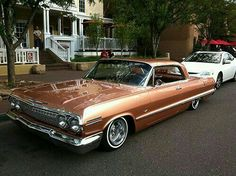 -Chevy Impala 63 ~ We had a maroon not a lowrider. Bugatti, Lamborghini, Ferrari, Chevrolet Impala 1963, Chevrolet Caprice, Chevrolet Ss, 64 Impala, Chevy Girl, American Classic Cars