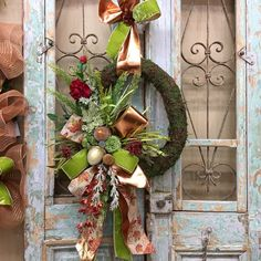 48 Stunning Christmas Door Decoration Ideas For Every Home. You will find a good deal of Christmas door decorating ideas for every home. Thanksgiving Wreaths, Autumn Wreaths, Holiday Wreaths, Holiday Decor, Wreath Fall, Pumpkin Wreath, Christmas Door Decorations, Decorating With Christmas Lights, Fall Decorating
