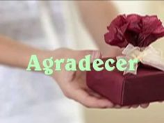 Video regalar es... REGALAR ES: - Sorprender - Agradecer - Mantener la amistad - Ocasionar placer por el detalle ofrecido - Demostar el cariño de una forma material
