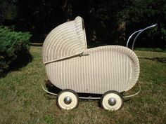 Antique Art Deco Wicker Baby Stroller Pram Cadillac of Baby Carriages Full Size Not Doll Size Convertible Stroller, Pram Stroller, Baby Strollers, Vintage Baby Clothes, Vintage Toys, Vintage Stroller, Art Deco, Pick Up, Dallas Cowboys
