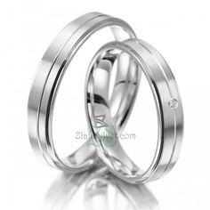 Cincin Kawin Bidina Salah satu model cincin kawin sederhana namun tetap elegan. spesifikasi: http://zlatasilver.com/cincin-kawin-bidina.html Kontak pemesanan: SMS/WA: 087825655850