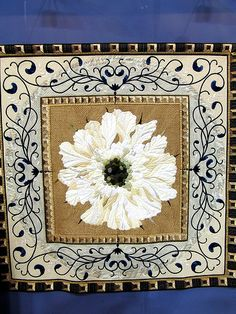 Tokyo Quilt Show.....Gorgeous appliqued border and center flower. The quilt work is stunning.