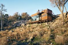 Rock Ranch, Writing Studio, Residential Building Design, Off Grid House, Picture Design, Nice View, Building A House, Architecture Design, Modern