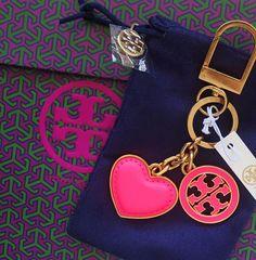 Tory Burch Neon Logo  amp  Heart Key Fob Fluro Pink w  Dust Bag   6ccee991c252e