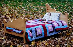 This is a baby bed..... how cute! I love that the head & foot boards are flipped.
