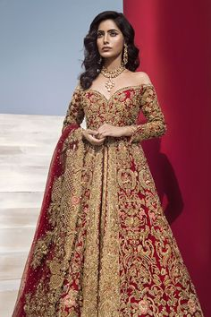 Scarlett Splendor - Colour: Red & Gold Includes: Gown, Lehnga, Dupatta Gown: Net, Tissue Lehnga: Tissue Dupatta: Net Source by - Indian Wedding Gowns, Asian Wedding Dress, Indian Bridal Outfits, Pakistani Bridal Dresses, Asian Bridal, Pakistani Wedding Dresses, Bridal Lehenga, Indian Dresses, Bridal Dress Indian