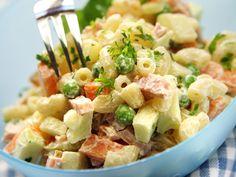 Italiansalaatti 1 Pasta Salad, Ethnic Recipes, Koti, Kitchen, Crab Pasta Salad, Cooking, Kitchens, Cuisine, Cucina
