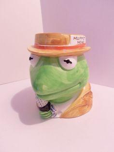 Kermit the Frog Muppets News Reporter VTG 1981 Henson Figural Novelty Mug