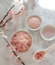 homemade Mother's Day gifts: Homemade coconut rose body scrub | lulus