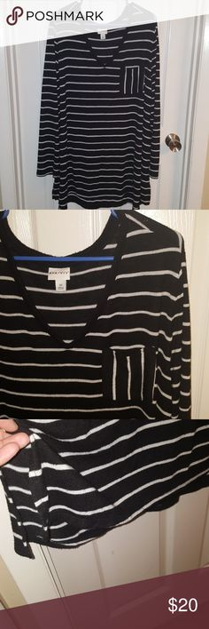 """Ava & Viv Striped Top/Tunic 2x Black White Gently used condition. No flaws. Smoke and pet free home. 50% polyester, 47% rayon, 3% spandex. Stretchy and comfortable. Approximately 31"""" long from shoulder to front hem when laying flat and 33"""" long from shoulder to back him. Just a little bit longer in the back. Will ship within 2 business days- excluding weekends and holidays. Ava & Viv Tops Tunics"""