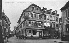 """""""Zum Riesen"""" Kreuzung Fackel-, Markt-, Riesen- und Kerststraße mit dem Weinrestaurant und Café """"Zum Riesen"""", erbaut 1609. Ein Bild dieses Riesen war auch im 1. Stock (links von der Ecke) aufgemalt. Dieser Platz gilt heute als eines der Zentren der Fußgängerzone. Im Hintergrund die """"Grüne Laterne"""" und darüber ragt die """"Wartburg"""" heraus."""