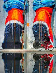 Itoonis street art