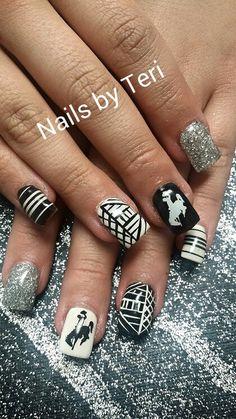 Fun Wyoming Nails