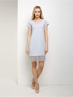 Pretty Girls, White Dress, Dresses, Fashion, Tables, White Dress Outfit, Moda, Vestidos, Fashion Styles