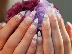 ロングのジェルネイル 【FRAU NAIL 立花店】 http://nail-beautynavi.woman.excite.co.jp/design/detail/37802?pint ≪ #nail #nails #nailart #softgel #clear #white #ネイル  #フレンチ ≫