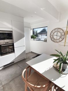 Kitchen Interior Design Ideas - Picture Window ... Just love this picture window..it lets in so much extra natural light whilst giving us a great view us to watch the season change... Commercial Interior Design, Commercial Interiors, Interior Design Kitchen, Season Change, Bannister, Scandi Style, Kitchen Styling, Great View, Natural Light
