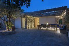 Archisearch - Doxiadis' Own Entopia – House In Apollonion / K-Division Architecture / Mike Kraounakis / Photography by Panagiotis Voumvakis