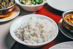 How to Cook Rice Perfectly In a Rice Cooker and On the Stove - Recipes - Reis Rezepte Rice Bowls, Rice Dishes, Rice Alternatives, Pasta Al Curry, Best Instant Pot Recipe, How To Cook Rice, Le Diner, Food Staples, Best Dishes