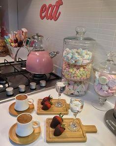 Instagram @coffee_yasar - #coffeeyasar #Instagram Breakfast Presentation, Coffee Presentation, Wooden House Decoration, Food Decoration, Brunch Table, Dessert Table, Breakfast Platter, Coffee Corner, Food Platters