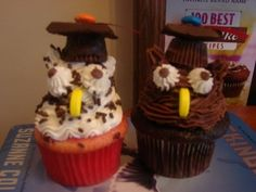 owl grad cupcakes By goingplaces on CakeCentral.com