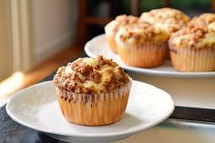 Apple streusel muffins from Just Putzing Around the Kitchen. Don't forget not to skimp on the streusel. The number one mistake. Streusel Muffins, Apple Streusel, Streusel Topping, Apple Muffins, Apple Crumb, No Bake Desserts, Easy Desserts, Delicious Desserts, Dessert Recipes