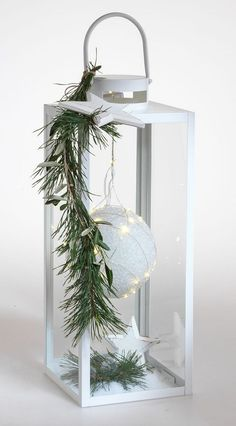 Elegant entrance decoration for the winter time Christmas planters, Christmas wreaths, Christmas deco - With a sees a simple completely different! Perfect as a decoration before - Outside Decorations, Indoor Christmas Decorations, Christmas Candles, Christmas Centerpieces, Outdoor Christmas, Christmas Time, Christmas Wreaths, Christmas Crafts, Holiday Decor
