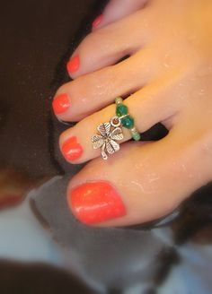 Toe Ring Emerald Swarvoski Crystals Mint Clover Bead Toe Ring by FancyFeetBoutique, $4.25
