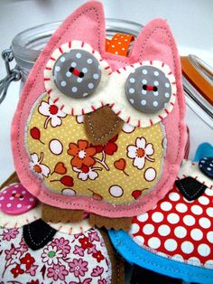 Owl ELLA in Pink felt and yellow ditsy fabric van SnowFish op Etsy