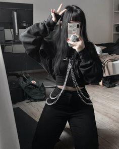 Leanla para saber cómo es #novelajuvenil # Novela Juvenil # amreading # books # wattpad Bad Girl Outfits, Skater Girl Outfits, Emo Outfits, Teen Fashion Outfits, Cute Casual Outfits, Grunge Outfits, Mode Emo, Mode Swag, Aesthetic Grunge Outfit