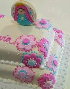 Torta virgencita fucsia y turquesa Royal Icing Cookies, Cupcake Cookies, Fancy Cakes, Mini Cakes, Holy Communion Cakes, Easy Pie, Party Treats, Cake Pops, Cake Toppers