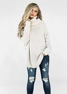 Chunky Knit Pullover, Blonde Hair, Fashion, Style, Womens Fashion, Fall, Fall fashion, Makeup, Hair, chunky sweater, sweaters, fall