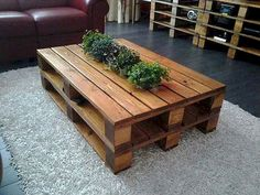 70 Suprising DIY Projects Mini Pallet Coffee Table Design Ideas 53 – Home Design Diy Pallet Furniture, Diy Pallet Projects, Handmade Furniture, Pallet Ideas, Wood Projects, Trendy Furniture, Furniture Buyers, Table Furniture, Furniture Ideas