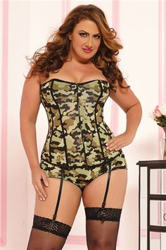 PLUS SIZE Camo Corset and Boyshort Set