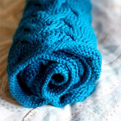 This cuddly blanket is the perfect gift to knit for your fall babies.
