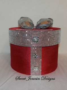 Wedding Card Box, Red & Silver Wedding Card Box,Bling Mesh Wrap Reception Box,Burgundy Wedding Card Holder, Wedding Gift Box-Custom Made – The Best Ideas Wedding Gift Wrapping, Wedding Gift Boxes, Wedding Cards, Wedding Gifts, Red Silver Wedding, Burgundy Wedding, Inspiration Artistique, Gift Wraping, Gift Card Boxes