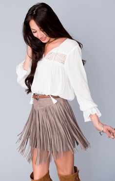 Diggin' this Rancho Fringe Skirt ~ Taupe Faux Suede it would be neat to refashion a suede fringe skirt! Skirt Outfits, Dress Skirt, Fall Outfits, Dress Up, Cute Outfits, Cowgirl Outfits, Western Outfits, Western Wear, Cowgirl Dresses