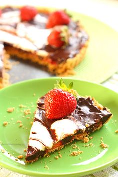 Strawberry Smores Tart - an easy summer dessert recipe with very little baking involved | www.chocolatemoosey.com
