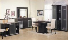 Yemek odaları takımları evlenecek ve evini yenileyecekler için mobilya listesinde önemli yer tutar. Genellikle salon odasına yerleştirmek için tercih edilir.