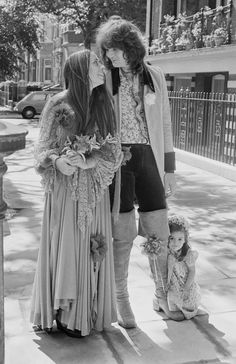 Chris Squire and Nikki James, 1972 | 41 Insanely Cool Vintage Celebrity Wedding Photos