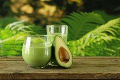 20 Avocado Smoothie Recipes You Must Try Avocado Smoothies Fruit Smoothies, Matcha Smoothie, Vegetable Smoothies, Raspberry Smoothie, Juice Smoothie, Smoothie Drinks, Healthy Smoothies, Healthy Drinks, Smoothies With Avacado