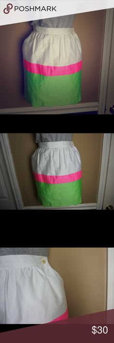 Lily Pulitzer skirt size small! So cute!!! Sale. Green , white and pink Lily Pulitzer skirt size small! So cute!!! Lilly Pulitzer Skirts Midi