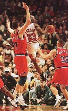 Chicago Bulls, Jordan Bulls, Jordan 23, Michael Jordan Photos, Basketball Photography, Nba Stars, Great Team, Air Jordans, Baseball Cards