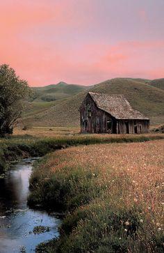 Pretty Barn Picture