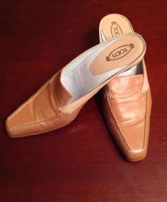 TODS Beige/Tan Leather Slip On Mules Shoes Kitten Heels SZ 9 EUC #Tods #Mules